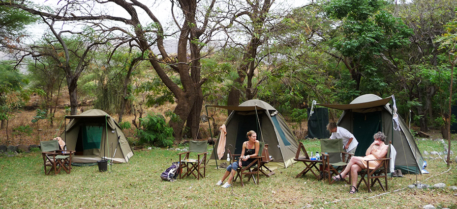 What safety issues should I consider while traveling in Kenya?
